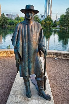 300px-Stevie_Ray_Vaughan_statue_Austin_Texas